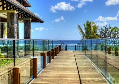 Westin-Turtle-Bay-Resort-&-Spa,-Mauritius---Walk-ocean-1