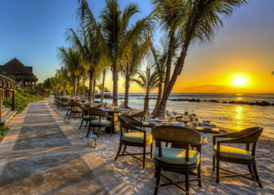 Westin-Turtle-Bay-Resort-&-Spa,-Mauritius-resturant-beach-food-1