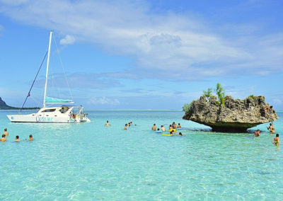 mauritius-boat-cruise-fun-island-clear-water-sailing