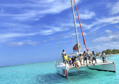 mauritius-catamaran-cruising-the-ocean-rides